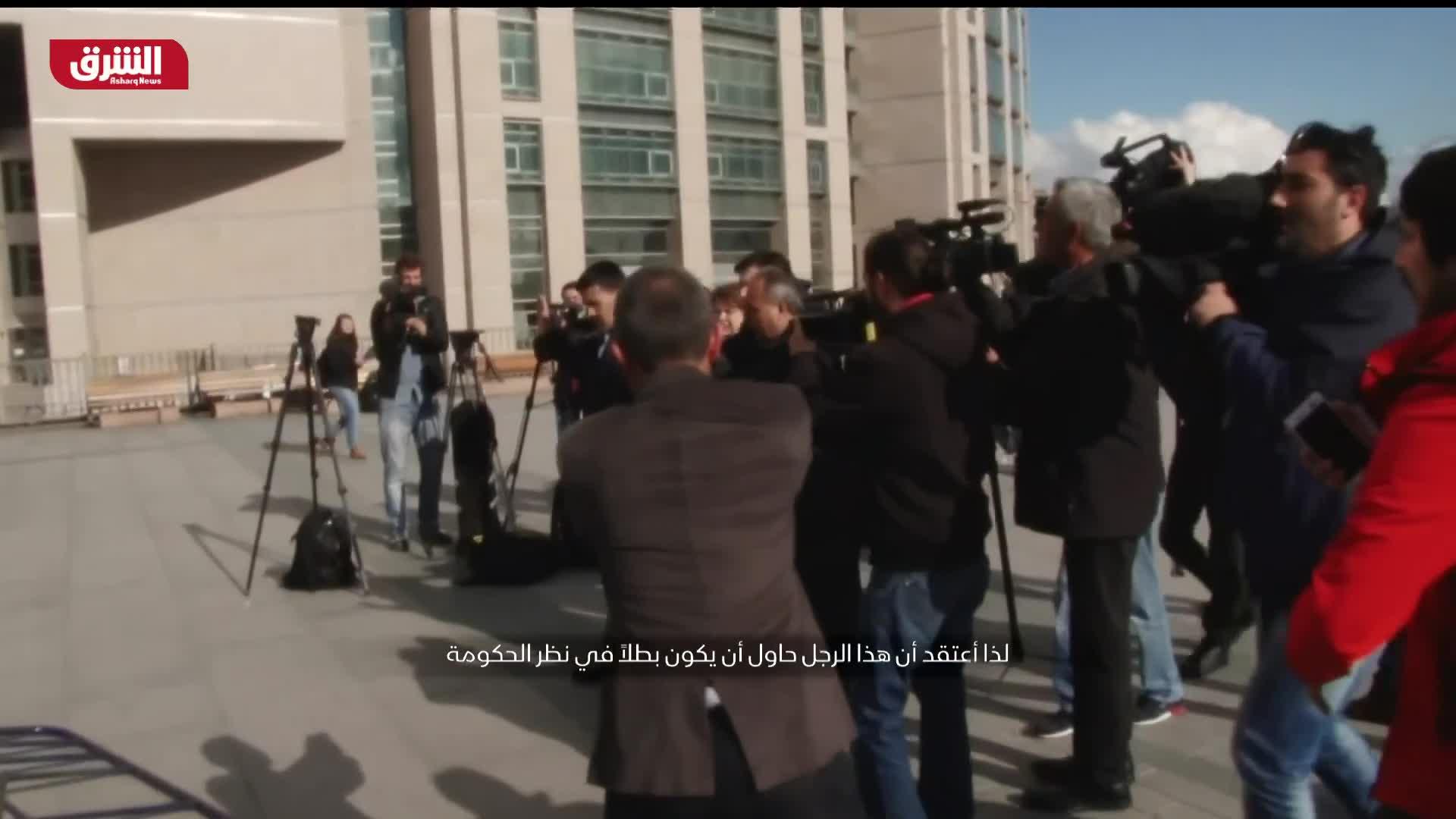 محاولة اغتيال الصحفي جان دوندار أمام مبنى المحكمة